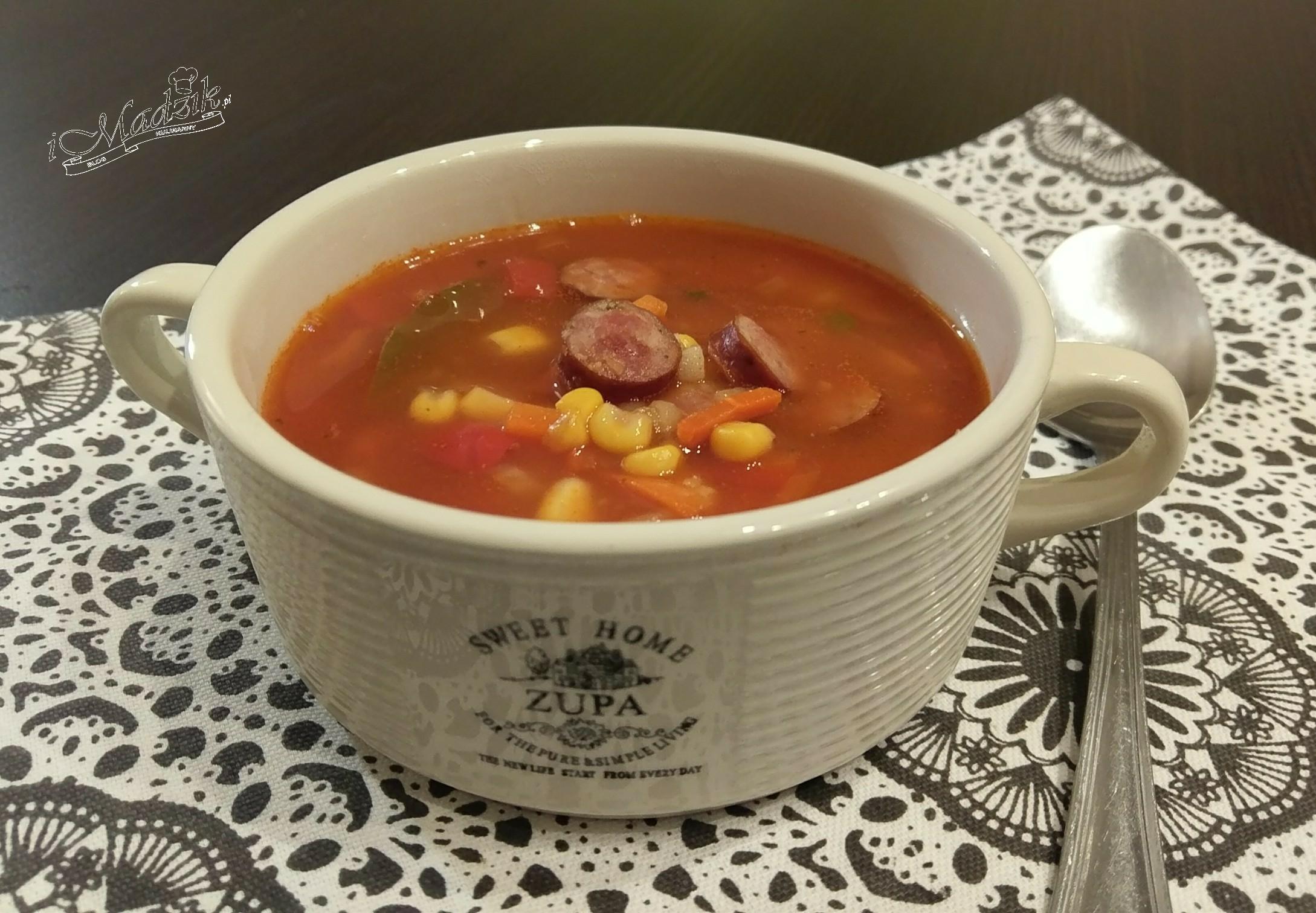 Zupa paprykowa z kabanosem