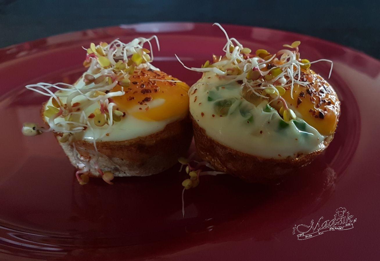 Kokilki z chleba tostowego z jajkiem