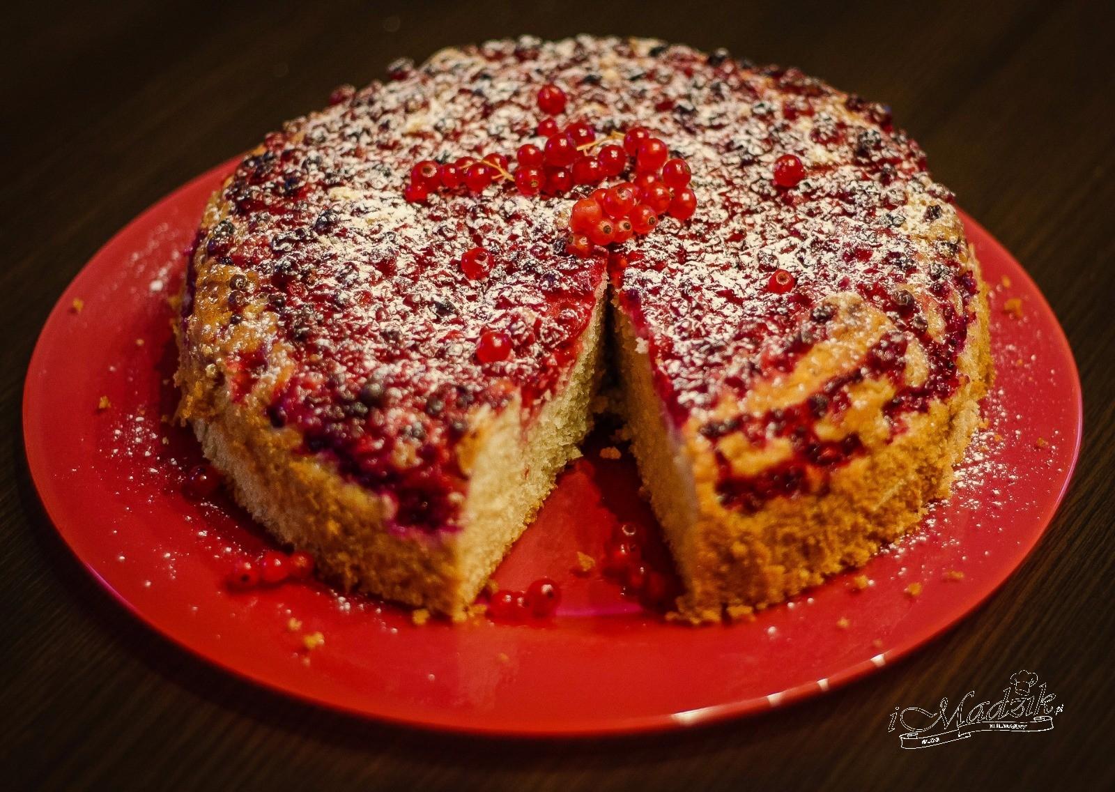Ciasto jogurtowe z czerwoną porzeczką