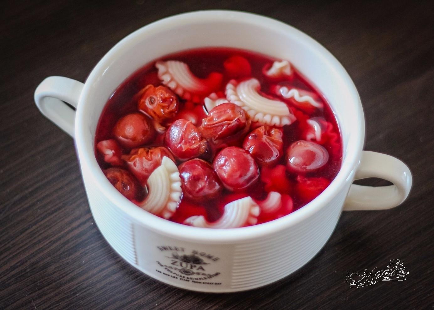 Owocowa zupa wiśniowa